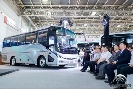 新7系震撼发布!宇通五款精品领航2019道路运输车辆展